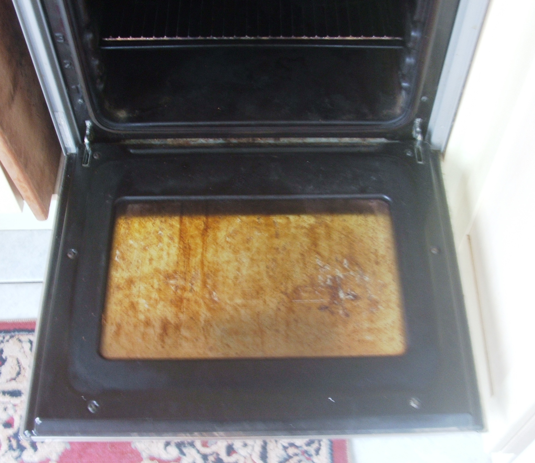 The Lazy Natural Way To Clean Oven Glass The Hedgecombers